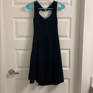 Open back black bell dress ⬛️⚫️♣️